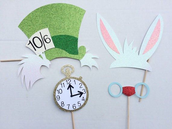 Disney Alice in Wonderland Photo Booth Props by LetsGetDecorative