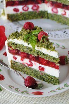 Szpinakowo- malinowy tort