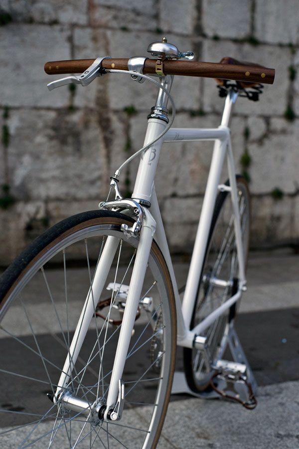 Vélo singlespeed Neo Retro avec cintre en bois