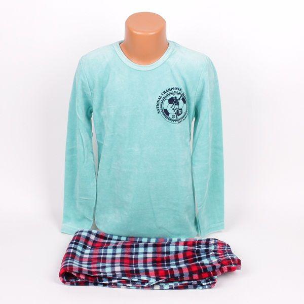 Плюшена свежа детска пижама. Горната част е с дълъг ръкав и обло деколте в морско син цвят и малка апликация в горната лява част. Долното е дълъг панталон - каре в два тона синьо и червено