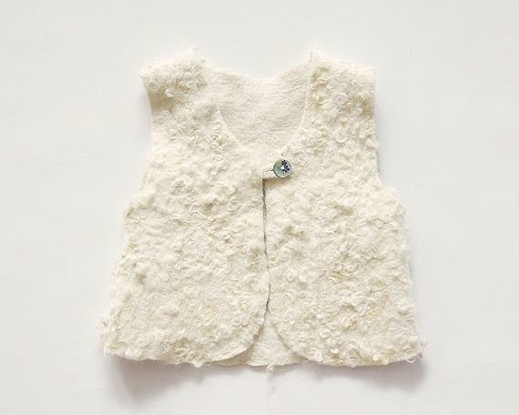 Sherpa vest for girls made from Australian Merino wool, sheep curls. Merino wool which I use felting this item is natural and self-coloured. Vest is