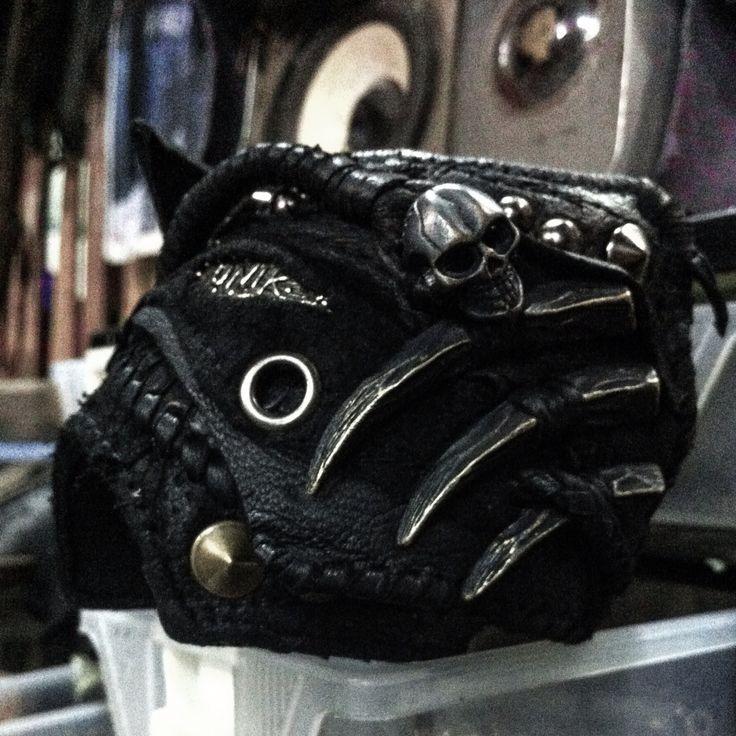 Hand cuff O27-13
