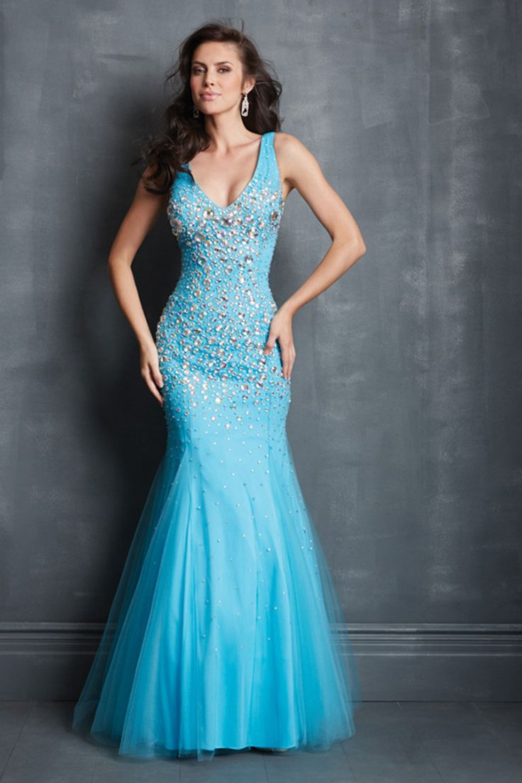 119 best Prom images on Pinterest | Ballroom dress, Formal dresses ...