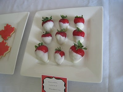 White Chocolate Canada Day Strawberries.