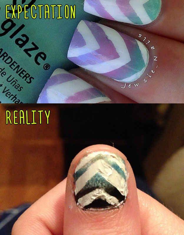 Manicure Chevron en Declive | 15 Artistas de uñas que quieren llegar muy alto, pero cayeron muy bajo