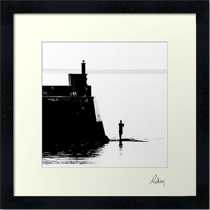 """Photo encadrée de Jean Luc Rollier """"Le Pecheur de la Digue"""" 30x30cm"""
