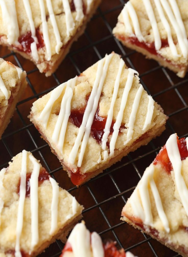 Strawberry Shortbread Bars @ Cookies and Cups