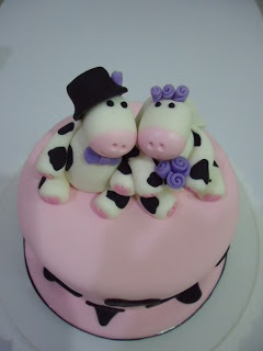 wedding cake topper malaysia 123 best images about cow cake on gravity 26351
