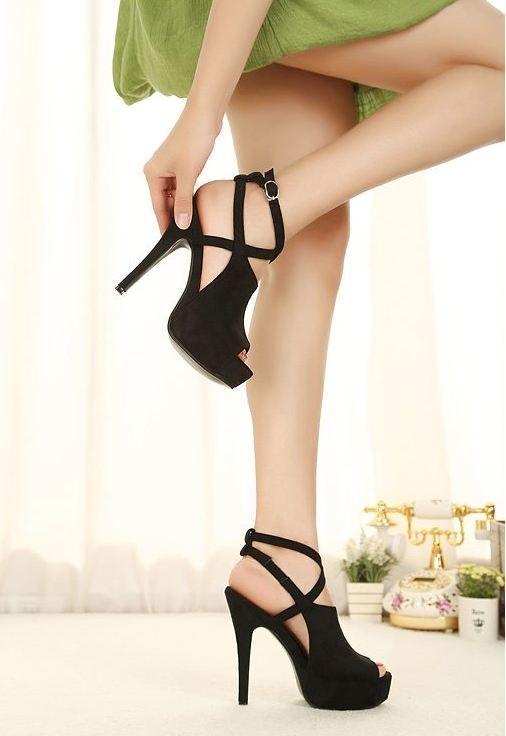 New stylish handmade black high heel pumps