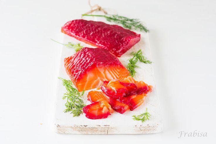 http://lacocinadefrabisa.lavozdegalicia.es/salmon-marinado-gravlax-con-remolacha/