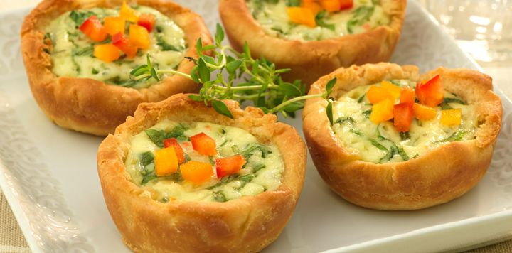 Creamy Ranch Quiche - Scrumptious little appetizers, made with spinach, Swiss cheese, bell peppers, Sister Schubert's Dinner Yeast Rolls and Marzetti Ranch Veggie Dip. #Entertaining