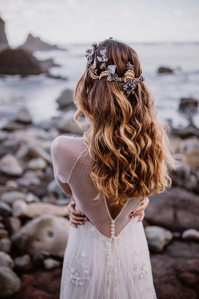 Love the combo of this hairstyle & hairpiece.
