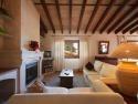 Casa rural en Petra (Mallorca). Alojamiento coqueto y grande con capacidad para 9 personas. Ubicado en zona tranquila. Tiene piscina. Admite mascotas