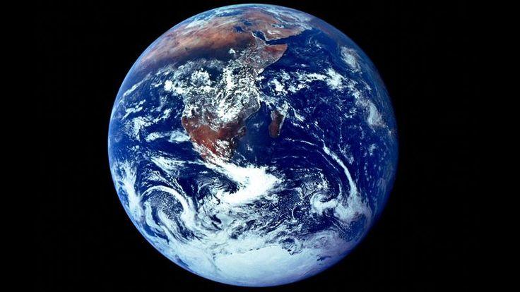 + - CONSTELAÇÃO HIDRA— Aumentando as esperanças daqueles que acreditavam que o mundo distante se provaria habitável, astrônomos do sistema estelar Terxus II anunciaram na quinta-feira que um planeta descoberto recentemente, que é,de forma impressionante,similar ao nosso, é de fato completamente hostil à vida. De acordo com cientistas da avançada civilização alienígena, apesar de possuir …