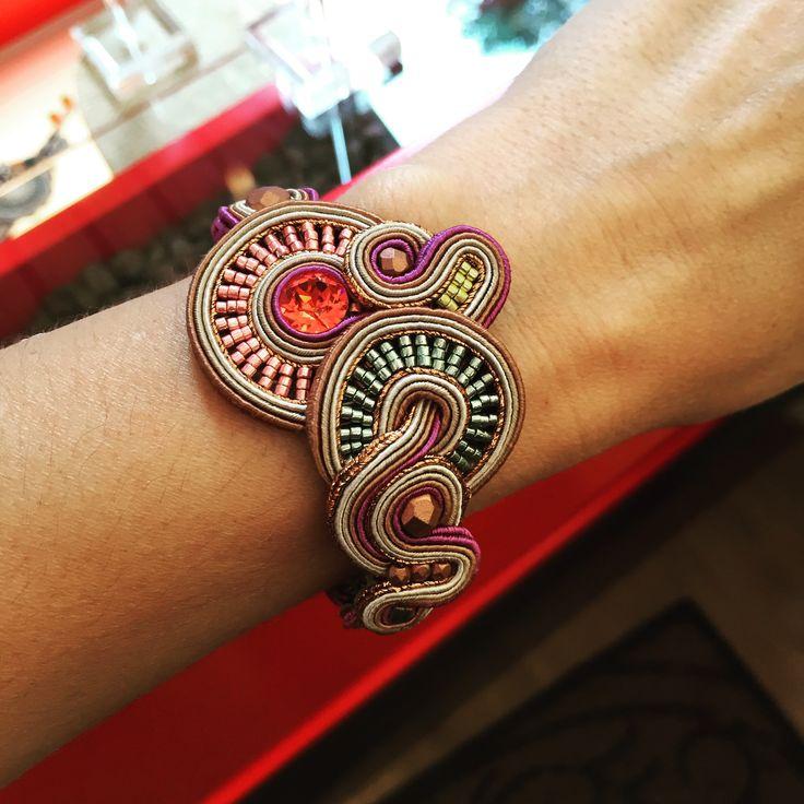 Harper bracelet. #doricsengeri #bracelet #design #metalliccolors