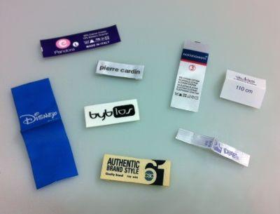 Abbigliamento: meglio usare etichette tessute o etichette stampate? - Etichettificio Pugliese