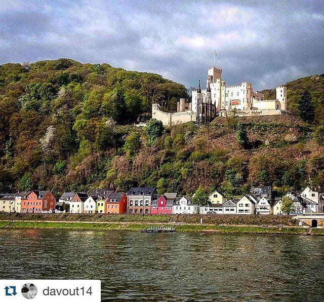 #Repost @davout14 ・・・ Stolzenfels Castle #germany #deutschland #koblenz #rheinlandpfalz #rhein #architecture #germanarchitecture #middlerhine #mittelrhein #castle #schloss #stolzenfels #spring #colors #romantikland