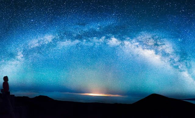 """The Galaxy Poll: """"Is the Evolution of Life Coded Into the Physical Laws of the Universe?"""" (Milky Way by Andrew Hara)"""
