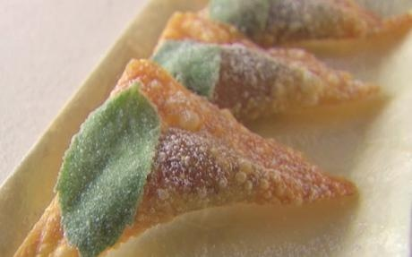 Ricotta and Vanilla Ravioli with Orange Mint Dipping Sauce in 10 mins by Giada De Laurentiis | Canapes Professional recipe | Foodnetwork.co.uk