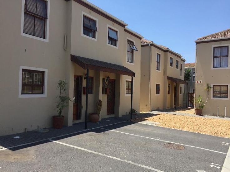 Parklands – 2 Bedroom Townhouse in a Residential Estate
