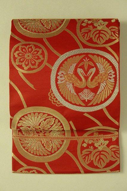 Red fukuro obi / 赤地 斜め立涌に花鳥丸文柄 六通袋帯   #Kimono #Japan http://global.rakuten.com/en/store/aiyama/