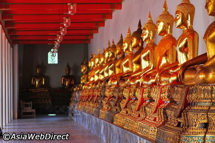 Wat Pho in Bangkok - Temple of Reclining Buddha