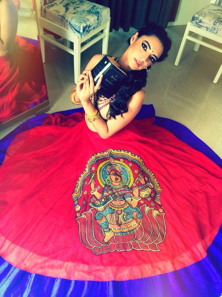Indian bride, lehenga, kalamkari, embroidery, roshnichopradesign, nath