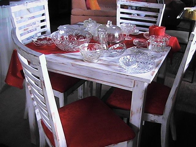 Table and chairs shabby chic