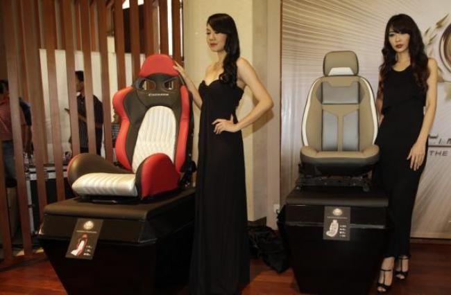 Kulit Sintetis MBtech Premium Carrera, Keren Di Mobil Mewah - Vivaoto.com - Majalah Otomotif Online