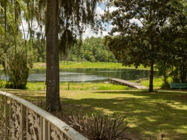 Lake House in North FL For Sale – United Country – Country Homes