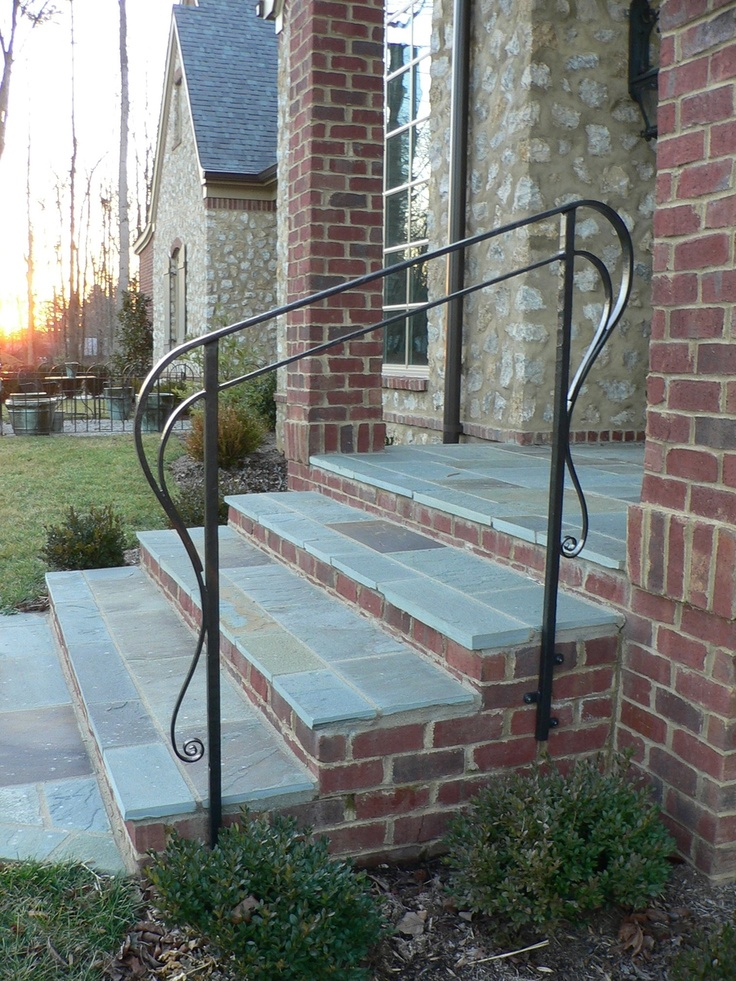 Best 25 exterior handrail ideas on pinterest industrial handrail stairs and steel stair railing for Exterior balusters and handrails