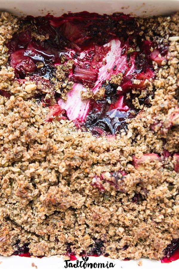 Ulubiony rabarbar pod kawową kruszonką » Jadłonomia · wegańskie przepisy nie tylko dla wegan