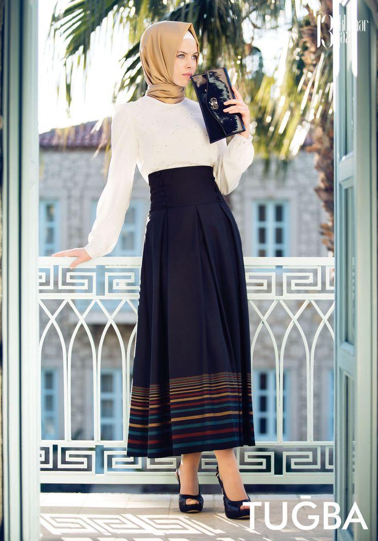 love the hijab style I wish I can fix mine like that :(