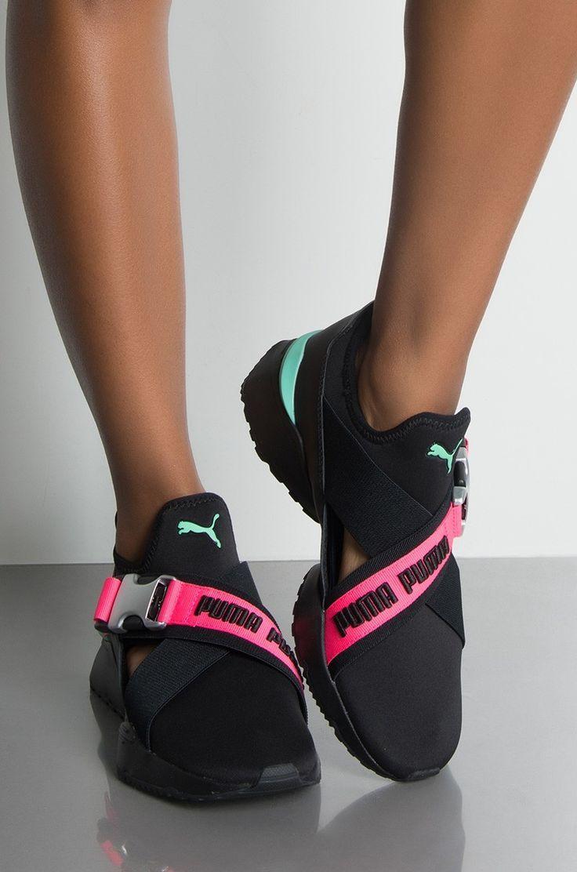 Shoes Shoes Shoes panosundaki Pin