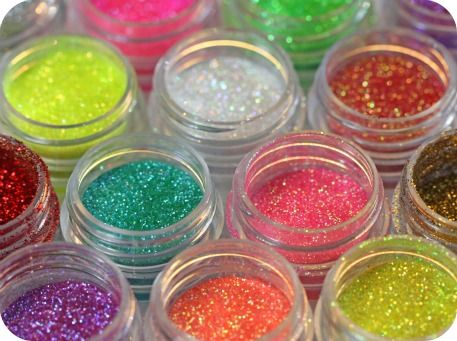 "Edible glitter called ""disco dust""...I think I need to make something glam!"
