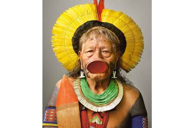 NG - ROPNI, ou Raoni, um líder conhecido no mundo todo, é um dos poucos que ainda usam o tembetá no lábio.