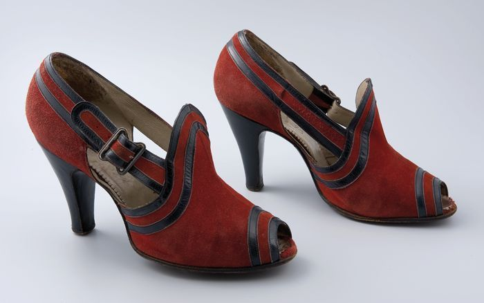 Red suede open-toe shoes, 1938-1940, via Rotterdam Museum.