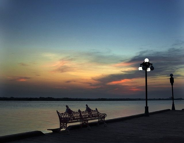 Being mexican is great..... But being of Veracruz is AWESOME!!!! Tlacotalpan, Veracruz. Atardecer junto al Papaloapan.
