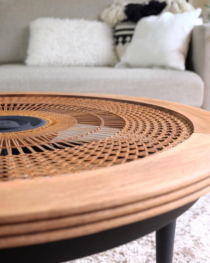 Brocante En Ligne Design Vintage #10: Table Basse Vintage Cannage, Plateau En Bois Peint Peint Noir Mat. Peinture  Caséine