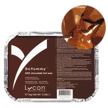 アーモンドオイルとヘーゼルナッツフレーバー配合で、色も形状もまさにチョコレートブロックそのもののワックスです。ブラジリアンからフェイシャルまで、すべての部位に使用できます。 1mm程度の短い毛でもキャッチでき、同じ個所に何度も使用できるので敏感部分や指の毛等の小さい部位にも使用できます。