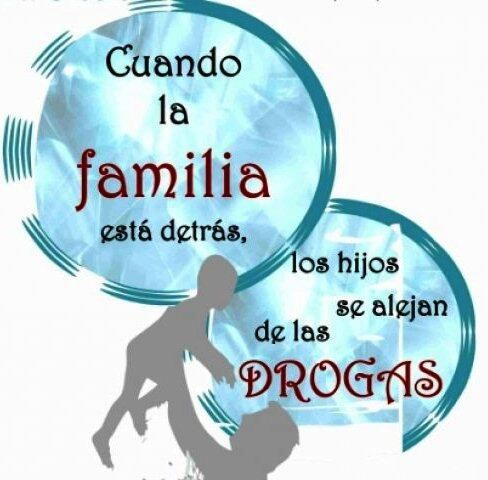 Psicóloga Angélica Dettone de @SenadDCS sobre prevención de consumo de drogas en la familia y las escuelas.