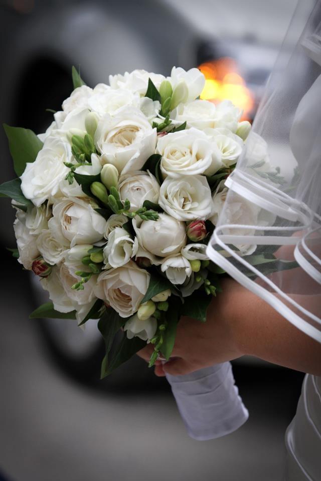 bouquet candido da sposa. Guarda altre immagini di bouquet sposa: http://www.matrimonio.it/collezioni/bouquet/3__cat