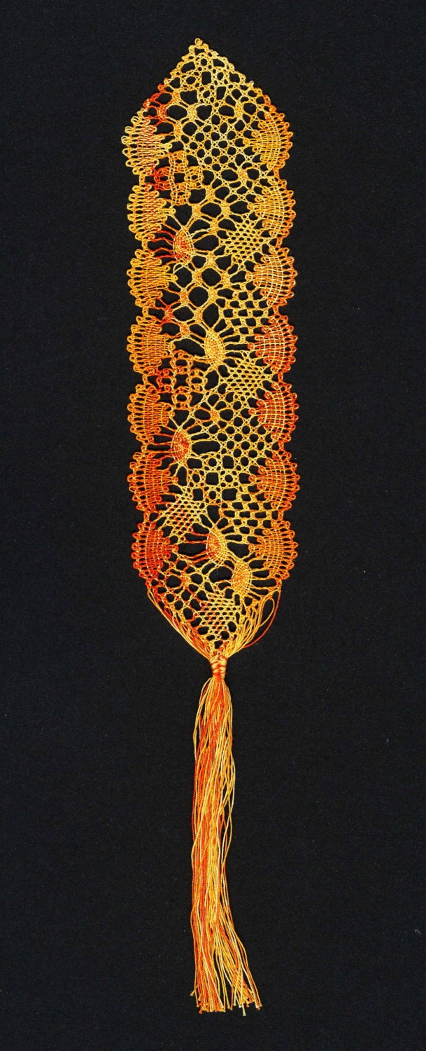 Bucket list...learn how to make bobbin lace. Pattern for Design It Yourself (DIY) bobbin lace bookmark. $5.00, via Etsy.