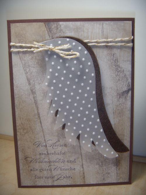 Weihnachtskarte mit Engelflügel