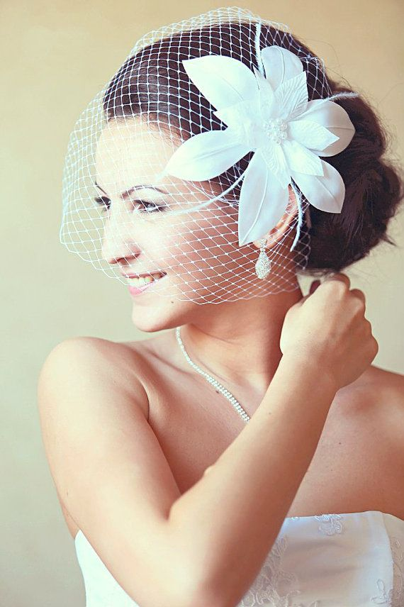 PLEASE READ THE SHOP POLICIES BEFORE ORDERING !!! Bridal Birdcage veil - Wedding fascinator - Fascinator - White wedding veil - Bridal