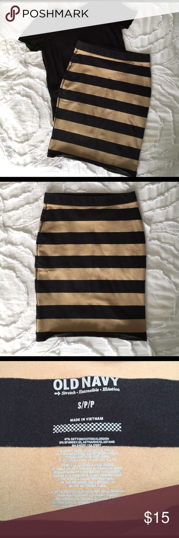 Black & Tan Pencil Skirt I wore this skirt so many times it's so cute with a black tee. It's super comfy and adorable. It is in great condition. Old Navy Skirts Pencil