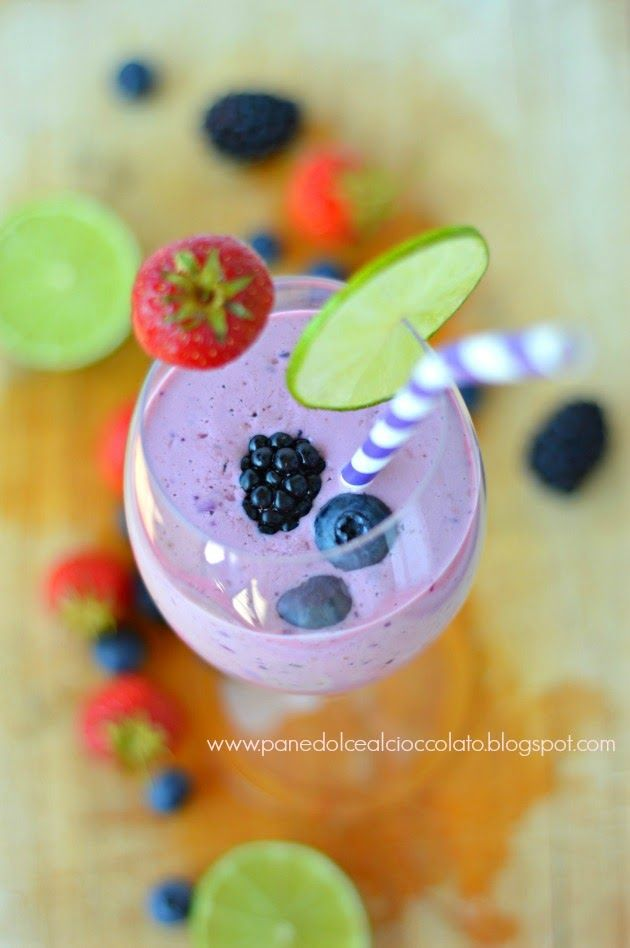 PANEDOLCEALCIOCCOLATO: Berries Strawberries Smoothie e ad ognuno il suo Cup