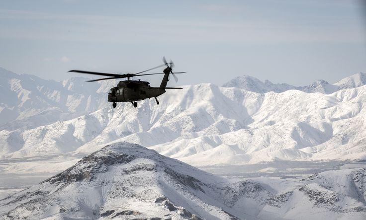 https://flic.kr/p/22EywK4 | Winter forward deployment | U.S. Army UH-60 Black Hawk flies over Afghanistan.   U.S. Army photo by John Martinez