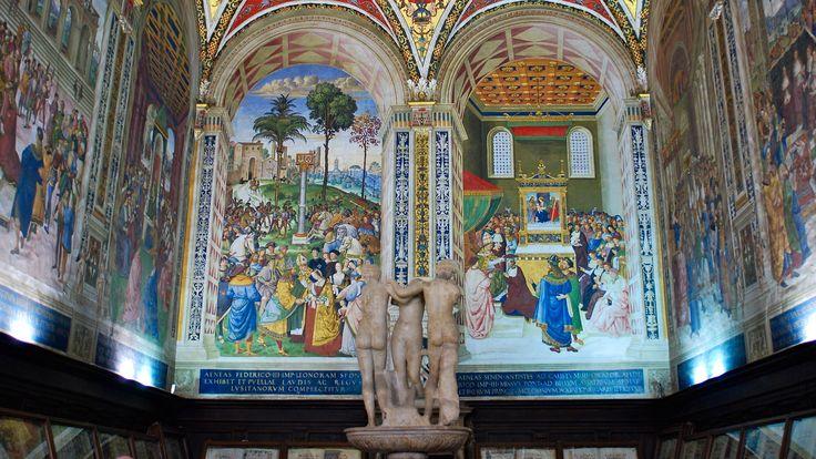 La Libreria Piccolomini del Pinturicchio nel Duomo di Siena