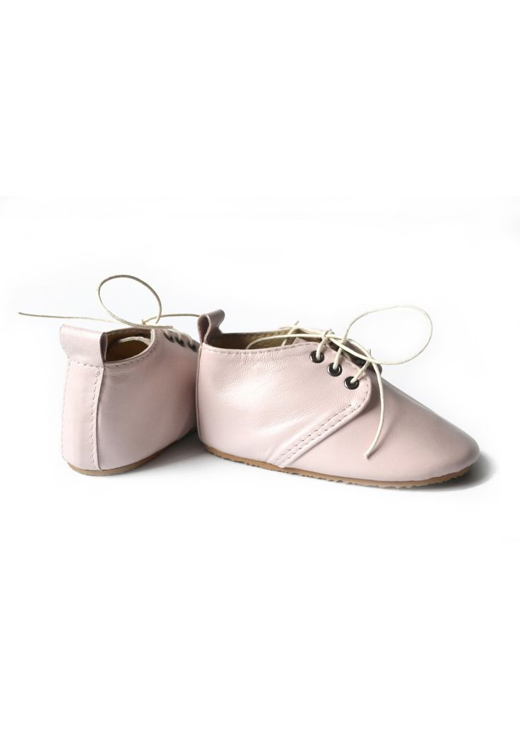 Toddler girl pink leather shoes by MiniMo.